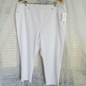 Style & Co Capri Pants Bright White